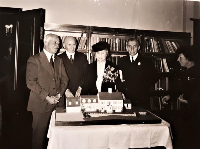 Easton HSE Helen Keller 1939 with Gustav Pfeiffer