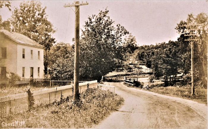 Easton HSE Lacy's Sport Hill at Mill River 1905