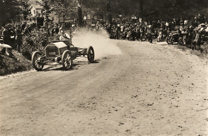 Easton HSE R.A. McNeil driving Stearns Automobile 1909