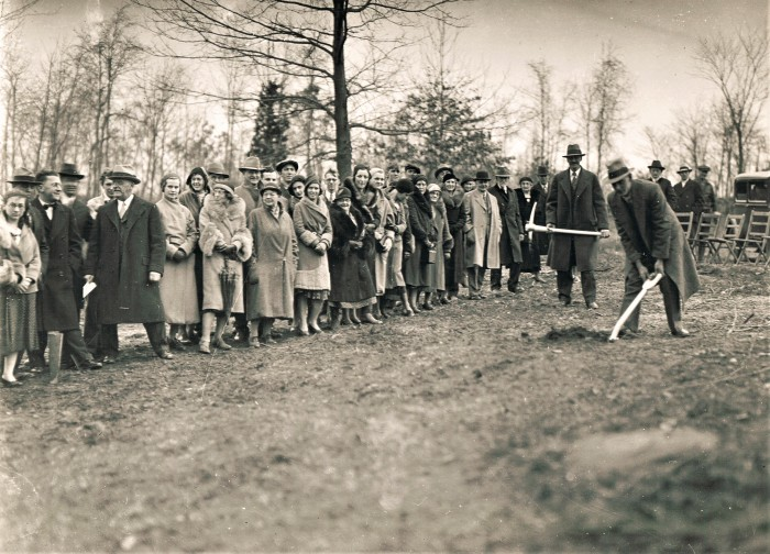 Easton HSE M80 1932 Groundbreaking Grange