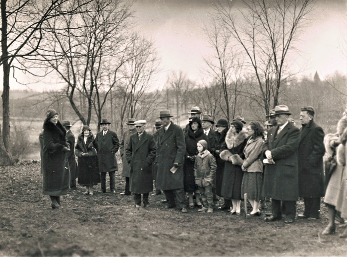 Esaton HSE M81 1932 Grange Groundbreaking crowd